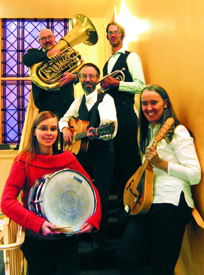 Photo of Jutta & the Hi-Dukes (tm) as a quintet - From top to bottom, left to right: Steve Hart, Peter Bartels, Terran Doehrer, Zoï Doehrer, Jutta Distler. Photo by Jim Godsey. Photo © 2010 Modal Music, Inc. (tm) All rights reserved.
