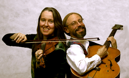 Photo of Jutta & the Hi-Dukes (tm) as a duet - Jutta Distler playing violin, Terran Doehrer playing guitar. Photo by Dan Tong. © 2007 Modal Music, Inc. (tm) All rights reserved.