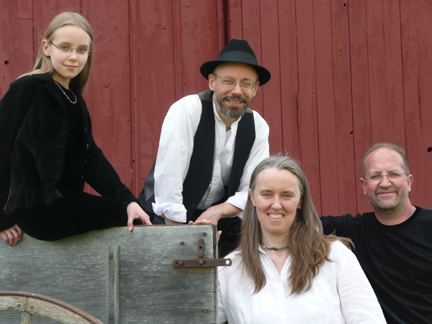 Photo of Ensemble M'chaiya (tm) as a quartet – Back row: Zoï Doehrer, Terran Doehrer; front row: Jutta Distler, Velizar Shumanov. Photo © 2008 Modal Music, Inc. (tm) All rights reserved.